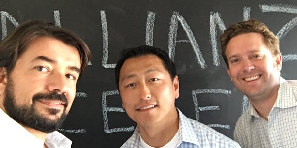 Olivier Ricard, le fondateur de la start-up basée à Nice et Marc Meissonnier, en charge de la technologie entourent Ken Singer, directeur du Center for Entrepreneurship and Technology de l'Université Berkeley.