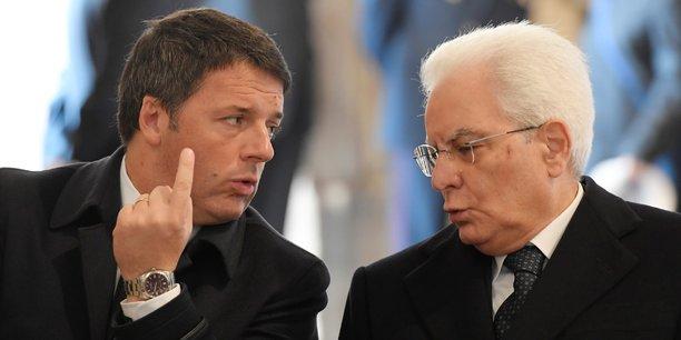 Le chef du gouvernement démissionnaire Matteo Renzi et le président de la République Sergio Mattarella, le 20 novembre.