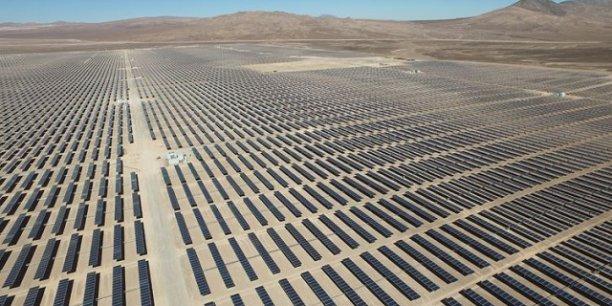 Le nouveau champ de panneaux solaire est capable d'alimenter plus de 190.000 foyers en électricité.