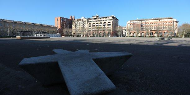 Vue de la place de l'Europe dans le quartier Compans Caffarelli à Toulouse