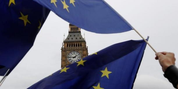 La croissance du Royaume-Uni au troisième trimestre a été révisée en hausse de 0,1 point, à 0,6%, une nouvelle preuve que l'activité britannique est jusqu'à présent restée ferme depuis le vote pour le Brexit en juin.