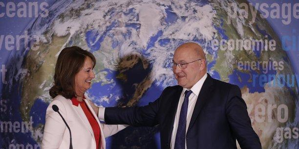 Ce jeudi 3 janvier 2017, la ministre Ségolène Royal annonçait -conjointement avec le ministre des Finances Michel Sapin- que la France lançait sa première obligation d'Etat verte. « Avec cette obligation en euros, nous espérons susciter l'engouement d'autres Etats européens, ou d'autres entreprises, pour plus d'obligations, encore plus vertes et plus responsables », souligne Michel Sapin..