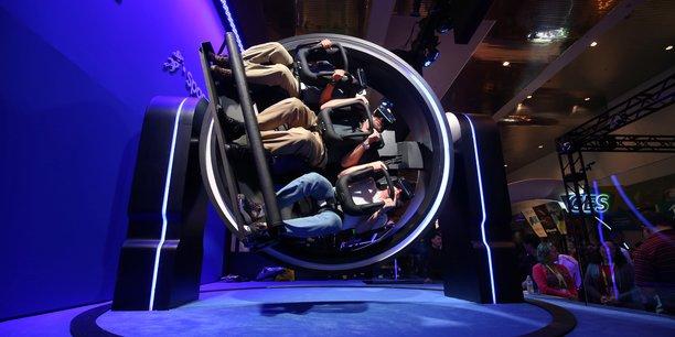 Le CES 2017 de Las Vegas était riche en innovations, comme ici l'expérience 4D avec le casque de réalité virtuelle de Samsung.