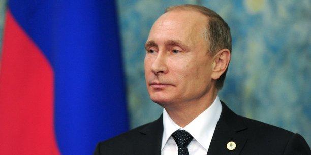 Le président russe Vladimir Poutine aurait commandé une campagne d'influence pour interférer le processus électoral américain selon le FBI, la CIA et la NSA.
