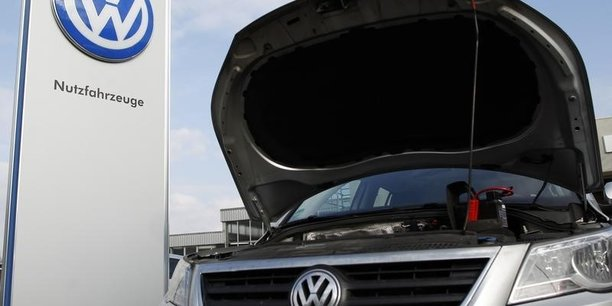 L'association de défense des consommateurs MyRight accuse le groupe d'avoir violé la loi européenne en vendant des voitures avec des logiciels interdits par la réglementation de l'Union européenne. Ce que le constructeur nie farouchement.