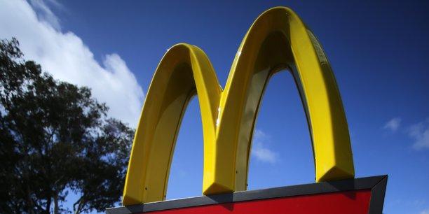 McDonadl's franchise en Chine ainsi 1.750 restaurants qu'il possédait en propre auparavant.