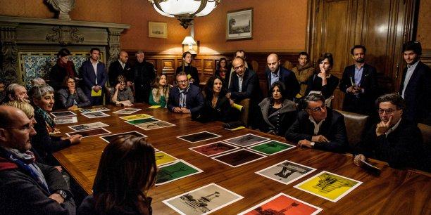 Soirée Coup de Cœur Mécènes du sud 2016 au siège de la Société Marseillaise de Crédit, décembre 2016. Les nouveaux artistes soutenus par Mécènes du sud Aix-Marseille présentent leurs projets aux mécènes.