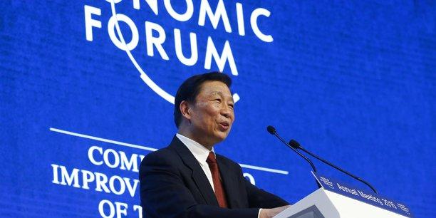Cet hiver, dans la station suisse de Davos, on annonce la venue du président chinois Xi Jinping. En 2016 (photo), la Chine était représentée au Forum économique mondial de Davos (World Economic Forum, WEF) par son vice-président Li Yuanchao et, en 2015, par son Premier ministre Li Keqiang.