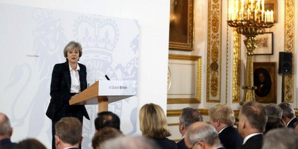 Theresa May a défini les contours d'une nouvelle doctrine commerciale et économique britannique.