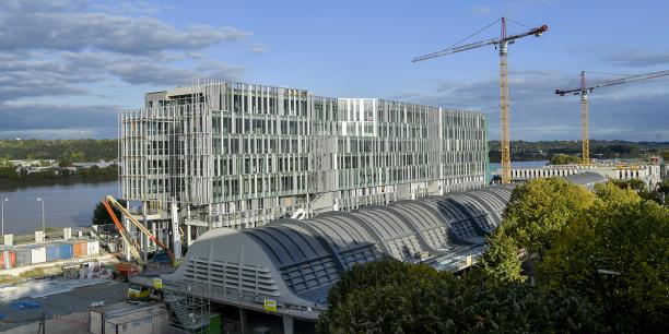 De nouveaux immeubles de bureaux voient le jour sur la rive droite de Bordeaux, au cœur de l'opération d'intérêt national Bordeaux Euratlantique.