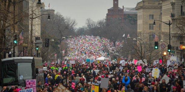 A Washington, les organisateurs espéraient 200.000 personnes pour ce rassemblement qui était le point d'orgue des manifestations ayant entouré l'investiture de Trump, mais le pari semble avoir été largement dépassé, au vu de la longueur du cortège qui s'étirait sur plus de 1,5 km. Plus d'un million de personnes auraient défilé selon les organisateurs.