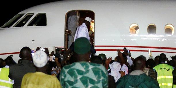 «I'll be back, I'll be back » («Je reviendrai, je reviendrai»), avait lancé Yahya Jammeh le 21 janvier 2017, au pied du Flacon 900 DX qui l'exfiltre vers la Guinée équatoriale.