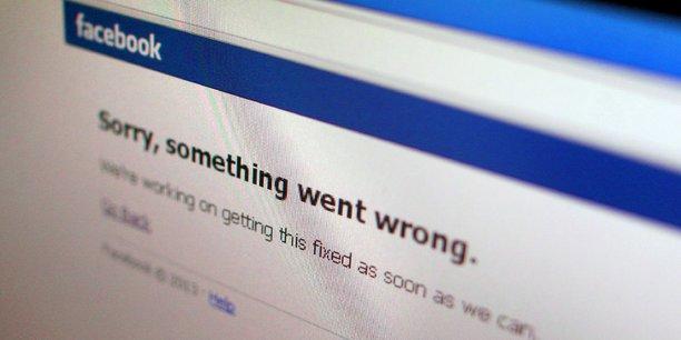 Les commentaires ou articles considérés comme sensibles sont effacés, et des sites comme Instagram, Twitter, Facebook et YouTube sont rendus inaccessibles.