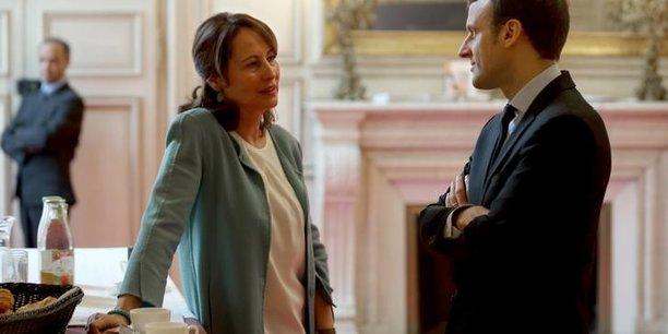 La ministre n'a jamais fait mystère de sa sympathie pour Emmanuel Macron - pour elle, il ne fait aucun doute qu'il est un homme de gauche.