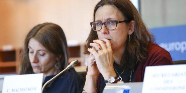 Pour convaincre les eurodéputés, la commissaire européenne au commerce, Cecilia Malmström, a rappelé le danger des visées protectionnistes du 45e président des Etats-Unis. Le CETA doit toutefois encore recevoir le feu vert du Parlement européen et des parlements des États membres avant de pouvoir entrer en vigueur.