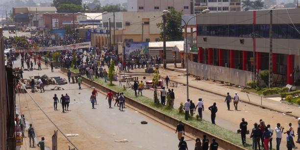 Yaoundé souhaite imposer un blocus informatif sur les manifestations qui secouent les zones anglophones du Cameroun et s'attaque aux organes de presse qui relayent les revendications des opposants