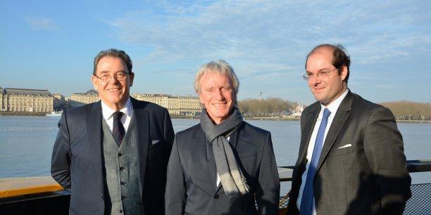 Entouré de Pierre Andreau avocat (à gauche) et d'Axel Champeil PDG de Champeil Asset Management (à droite), le président de Multimicrocloud Daniel Perry (au centre) a annoncé l'entrée à la Bourse de Paris de sa société basée à Mérignac.