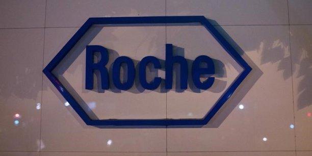 Roche mise également sur de nouvelles molécules qui pourraient recevoir le feu vert des autorités américaine et européenne, dont l'ocrelizumab, un traitement contre la sclérose en plaques qui pourrait générer plusieurs milliards d'euros par an.
