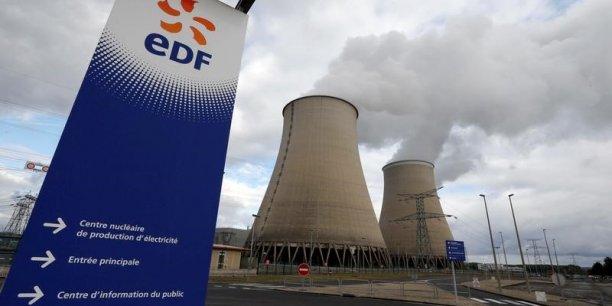 Fortement endetté (la dette est officiellement chiffrée à 37,5 milliards d'euros, mais serait en réalité de près de 74 milliards) et confronté à des lourds investissements dans le parc nucléaire français, le groupe se dit pénalisé par une concurrence accrue et par la chute des prix de marché de l'électricité.