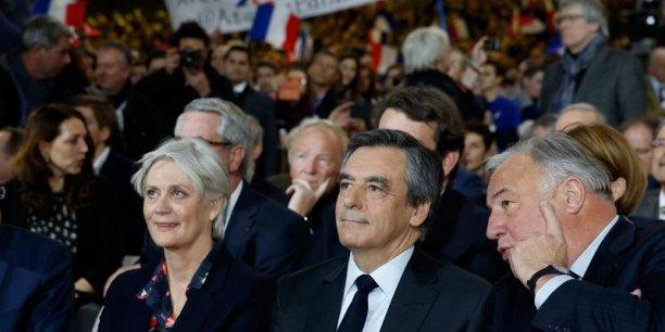 François Fillon résiste dans les sondages malgré le Penelope Gate.