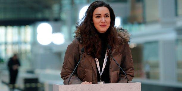 Roxanne Varza, la directrice de Station F, le méga campus parisien dédié aux startups, lors de son discours le 17 janvier 2017 pour l'inauguration du Startup Garage from Facebook lancé en présence de Sheryl Sandberg, COO de Facebook, venue spécialement pour l'événement.