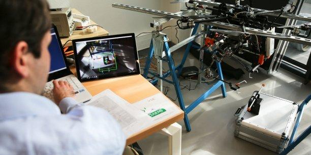 Le robot aérien dans les locaux du Laas-CNRS à Touloue