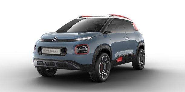 Le C4 Aircross est un concept car qui préfigure une version définitive qui sera présentée avant la fin de l'année et devra s'installer sur le très dynamique segment des B-SUV.