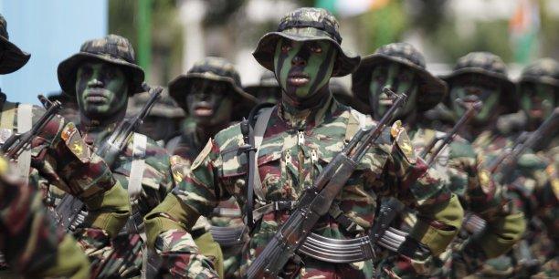 Des soldats des forces spéciales de Côte d'Ivoire, lors d'une parade militaire.