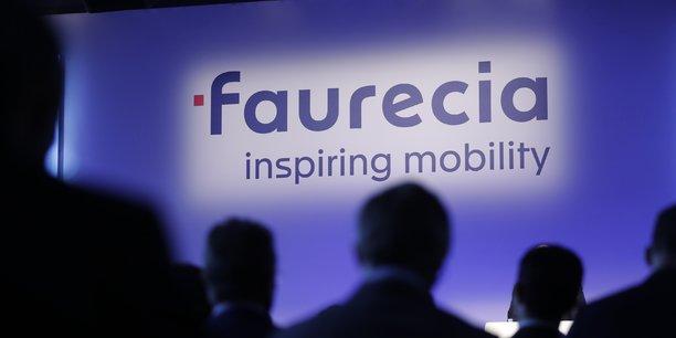 Faurecia a profité de la publication de ses résultats annuels pour dévoiler sa nouvelle signature graphique.