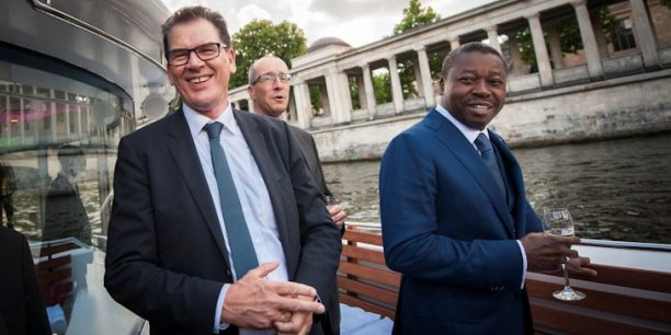 Gerd Müller, ministre fédéral allemand de la Coopération économique et du développement, en compagnie du président Togolais, Faure Gnassingbé.