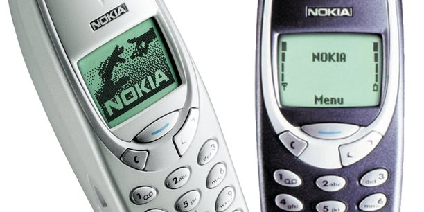 Réputé pour son autonomie de batterie, le Nokia 3310 est devenu une légende sur Internet pour sa résistance aux chocs.