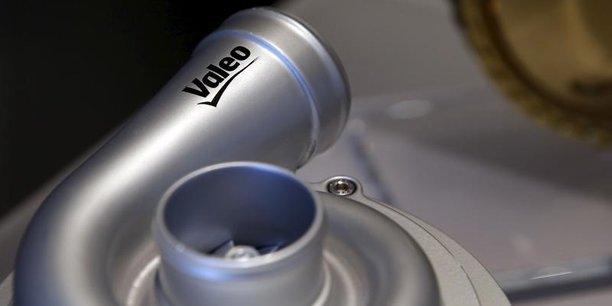 Valeo, dont le chiffre d'affaires a crû de 14% à 16,52 milliards d'euros l'année dernière, s'est félicité d'une accélération des prises de commandes de 17% à 23,6 milliards d'euros
