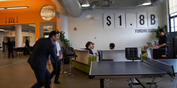 Après le pitch final, place à la décompression pour les startups du Big Booster, ici au mass challenge à Boston.