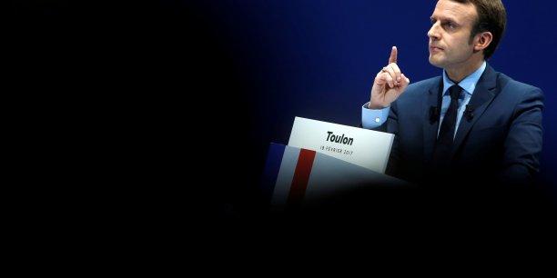 Emmanuel Macron veut mettre fin à l'assurance chômage actuelle réservée aux seuls salariés. Il prône l'instauration d'une allocation chômage ouverte à tous (commerçants, indépendants,etc.) financée par la CSG et dont le montant serait généralement revu à la baisse car ne dépendant plus des cotisations.