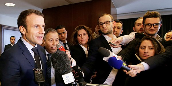 Emmanuel Macron lors de sa conférence de presse à l'hôtel El Aurassi, à Alger, le 13 février 2017.