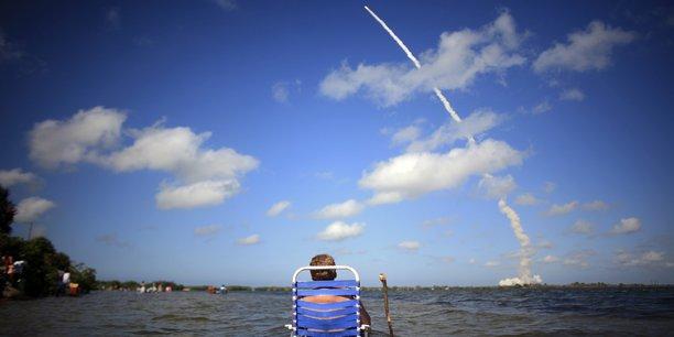 La plupart des secteurs industriels où les Français excellent sont présents en Floride, en particulier l'aéronautique et le spatial, ainsi que le secteur bancaire et le luxe. (Photo: à Titusville, en Floride, lors du lancement de la navette spatiale Discovery depuis Cape Canaveral, le 30 mai 2008)