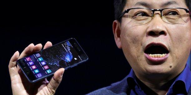 Richard Yu, un des dirigeants de Huawei, a présenté le P10 au Mobile World Congress de Barcelone.
