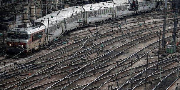 Six lignes, considérées comme structurantes, restent dans le giron de l'Etat : Paris-Orléans-Limoges-Toulouse, Paris-Clermont-Ferrand, Bordeaux-Toulouse-Marseille, Nantes-Bordeaux, Toulouse-Hendaye, Nantes-Lyon.