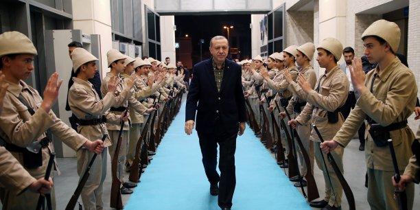 Les autorités turques ont fait fermer dans la soirée de samedi l'ambassade à Ankara et le consulat des Pays-Bas à Istanbul