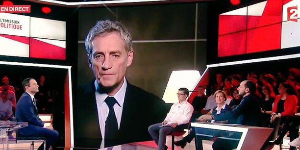 Philippe Saurel, en duplex lors du passage de Benoît Hamon à L'Émission politique de France 2, le 9 mars.