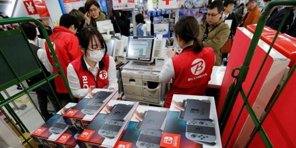 Nintendo aurait vendu 1,5 millions de consoles dans le monde lors de sa première semaine de lancement, selon une étude de SuperData relayée par Games Industry.