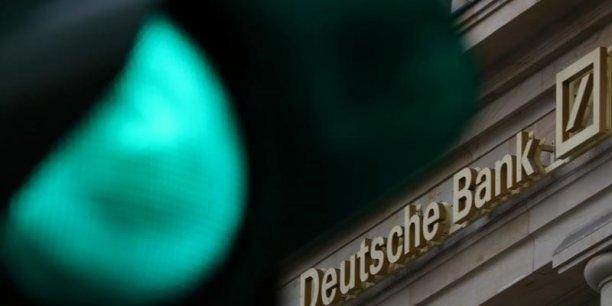 Deutsche bank voit des revenus 2017 stables[reuters.com]
