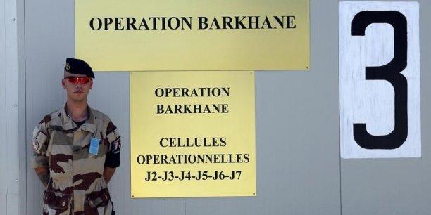 Marine le pen aupres de la force barkhane au tchad[reuters.com]