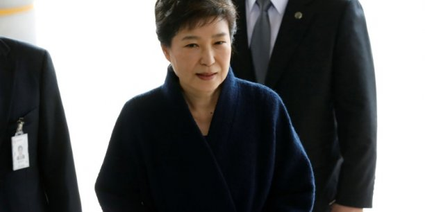 L'ex-presidente sud-coreenne park geun-hye presente ses excuses[reuters.com]