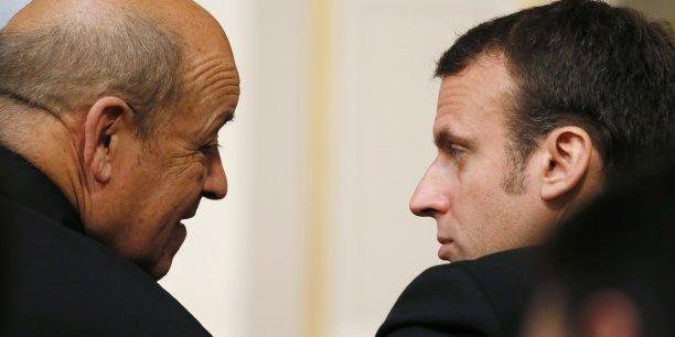 Le discours que va tenir Emmanuel Macron samedi sur la défense, le ministre le plus populaire de François Hollande aurait pu le prononcer au mot près tant il s'inscrit dans la continuité de son action à l'Hôtel de Brienne.
