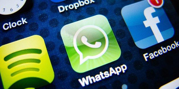 L'application de messagerie instantanée WhatsApp, propriété de Facebook, a déployé le chiffrement de bout en bout des correspondance en avril 2016.