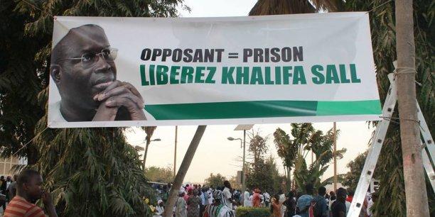 Affiche de soutien à Khalifa Sall dans les rues de Dakar.