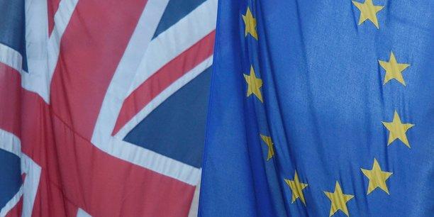 Theresa May a qualifié le sort des citoyens européens vivant au Royaume-Uni de priorité.
