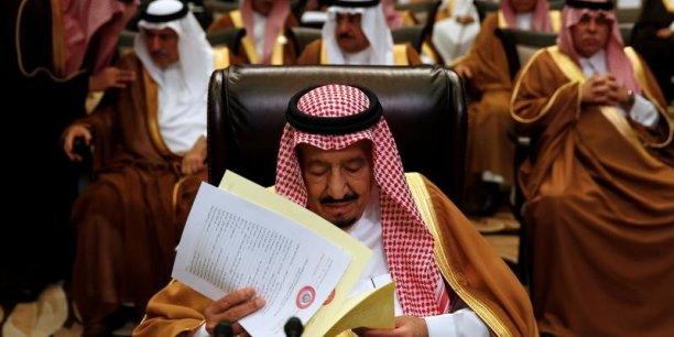 L'agence officielle saoudienne SPA a fait état de 34 accords dans des domaines aussi divers que la défense, le pétrole et le transport aérien