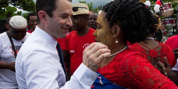 En campagne électorale, le candidat Hamon mise sur le revenu universel.